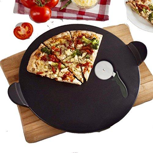 Pizzastein Set SchwarzSchamott Brotbackstein Pizza Stein Set für Backofen und Grill Rund 33 x 11 cm Schamottstein mit Pizzaschneider Auch für Den Griller Geeignet Schamott