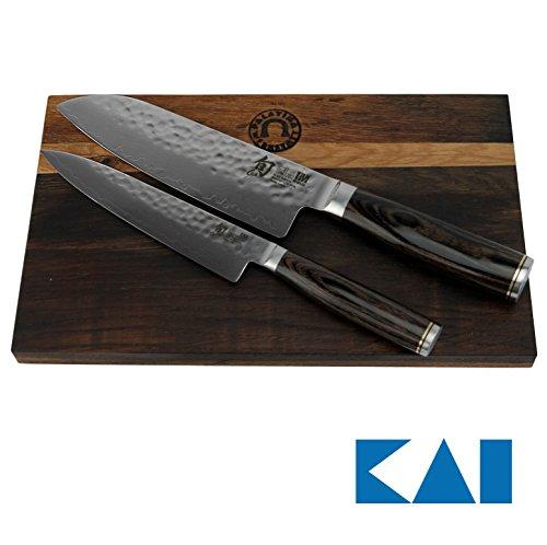 KAI Shun Premier Messerset Tim Mälzer Santokumesser 18 cm TDM-1702 Allzweckmesser TDM-1701  handgefertigtes Schneidebrett aus altem Fassholz 30x18 cm Eiche