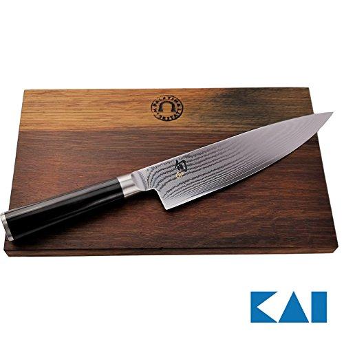 Kai Shun Classic Geschenkset DM-0706 Kochmesser 20 cm ultrascharfes Japan Messer aus Damaststahlgroßes Schneidebrett aus Fassholz Eiche 30x18